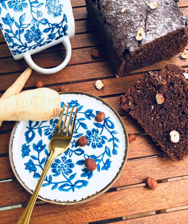 Čokoládovo-ořechový chlebík s petrželí/pastiňákem